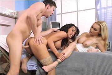 Pornósztár - Lezley Zen