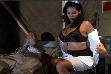 Missy Martinez - baszós kedvű nővérke