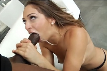 Lesbea HD Teen eating her lovers.