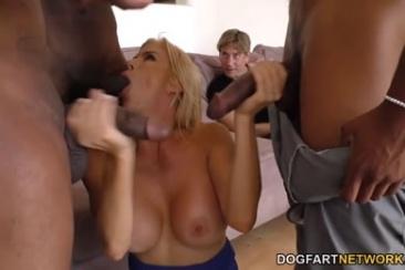 Alexis Fawx - cuckold gangbang