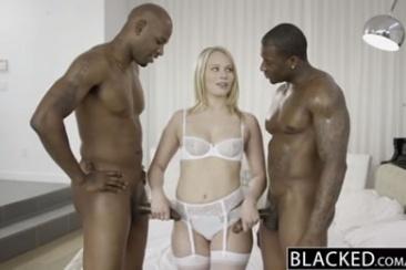 Dakota James - baszás két fekete sráccal