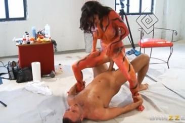 Veronica Avluv - testfestés és kefélés